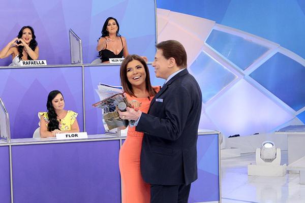 Silvio dançando com Mara Maravilha