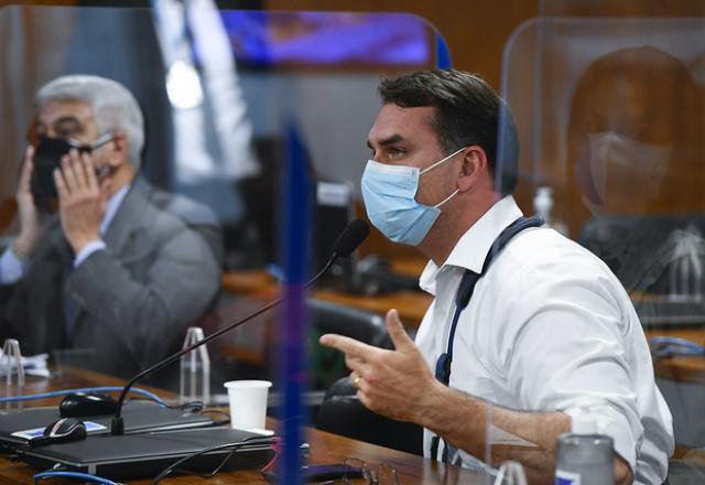 Das nove reuniões da CPI, Flávio participou de três | Marcos Oliveira/Agencia Senado