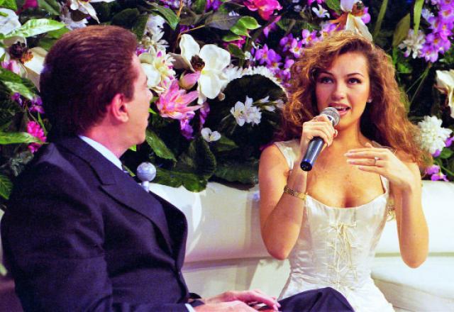 A atriz Thalia com Silvio Santos