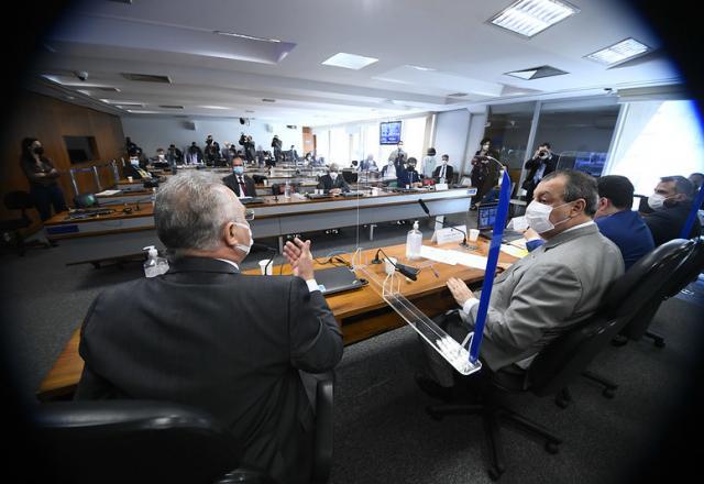 CPI da Pandemia espera Osmar Terra e Filipe Martins nesta semana - Congresso - SBT News