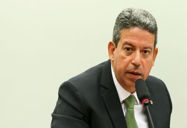 Câmara vai questionar preço do gás e dos combustíveis, diz Lira